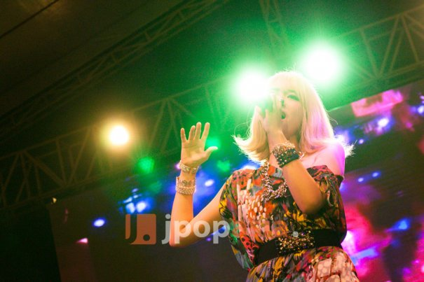 SAGA and Amour MiCo Perform at Ennichisai 2014