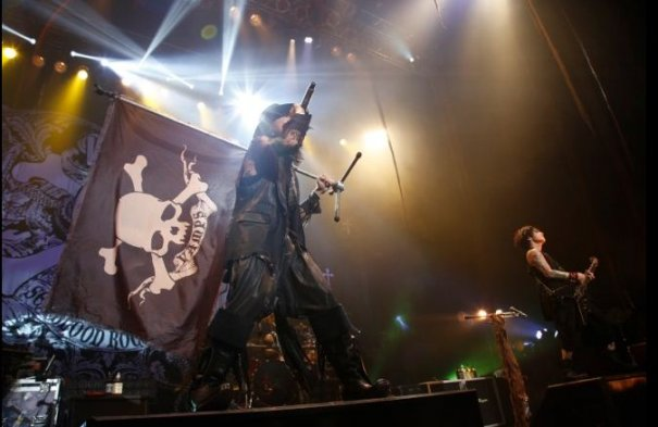 VAMPS Premieres New Song Onstage and Online
