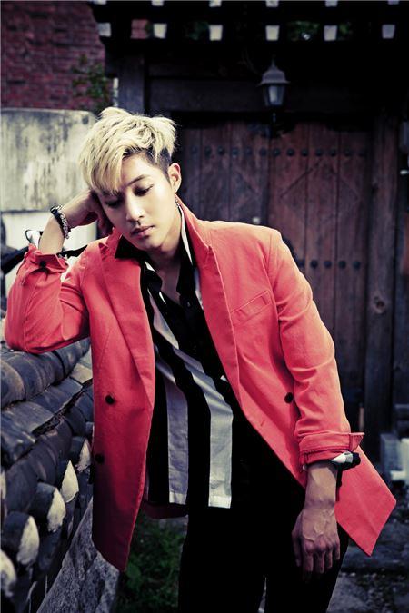 """[Kpop] Kim Hyun Joong Unveiled Teaser Video For """"Beauty Beauty"""": Watch"""