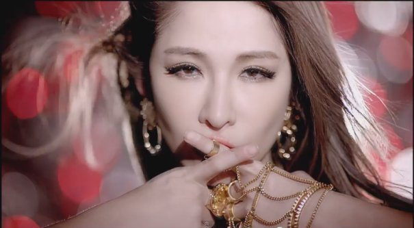 [Cpop] Elva Hsiao's Shut Up and Kiss Me MV Attains Over 1 Million Youtube Views
