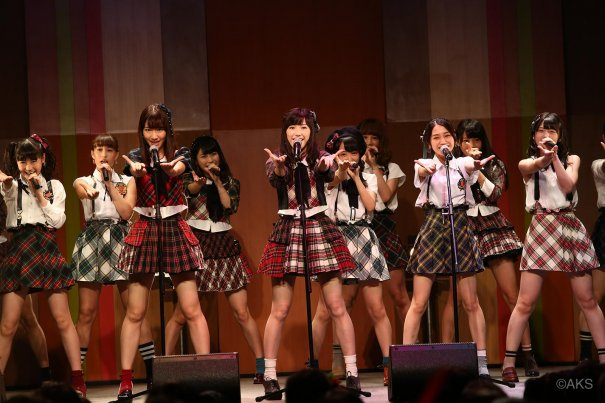 AKB48 Resumes Handshakes At AKB48 Theater
