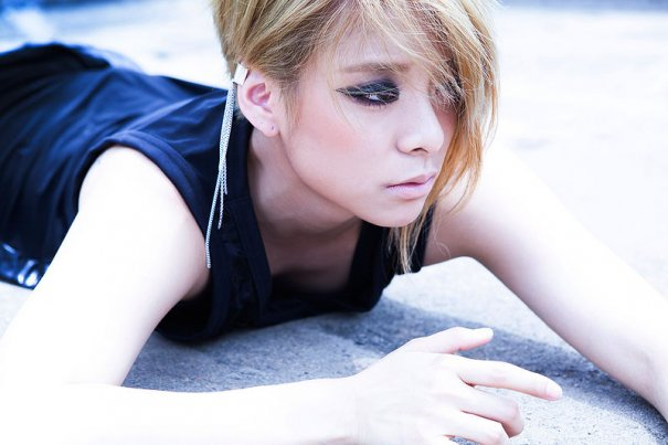 [Kpop] f(x)'s Amber To Make Solo Debut Mid-February