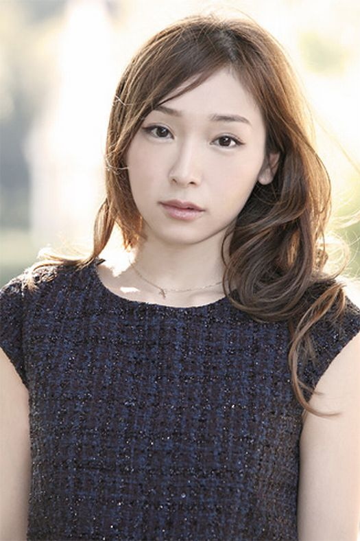 [Jpop] Ai Kago Drops Domestic Violence Charges Against Husband In Exchange For Divorce