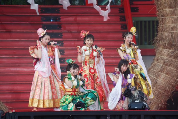 [Jpop] Momoiro Clover Z To Simultaneously Release 2 New Albums In February