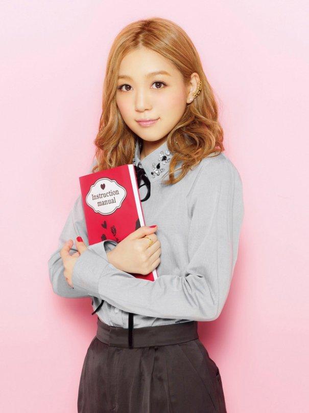 "Kana Nishino Announces Best Of Albums ""Secret Collection"""