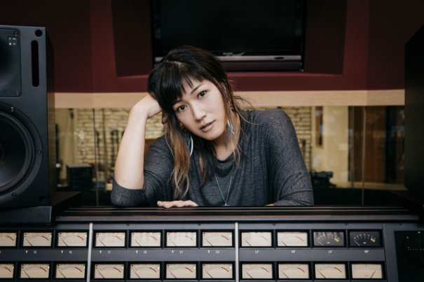 BONNIE PINK Announces Marriage