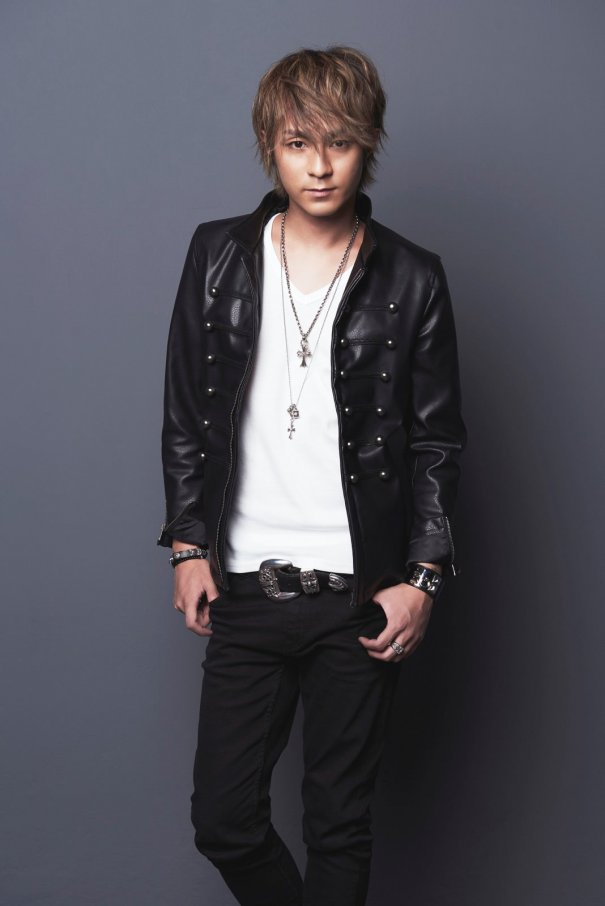 "AAA's Naoya Urata Announces Best-Of Album ""un BEST"""