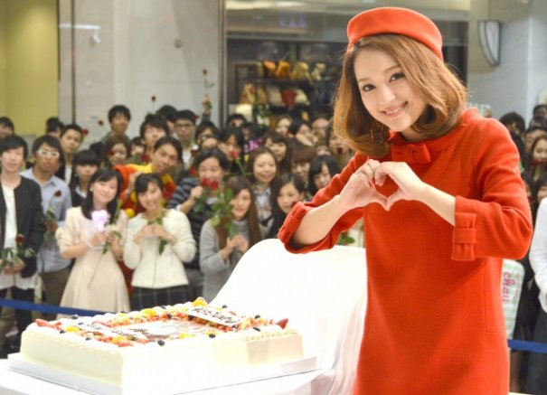 "chay Surprised With Early Birthday Celebration At ""Suki de Suki de Suki Sugite"" Launch Party"