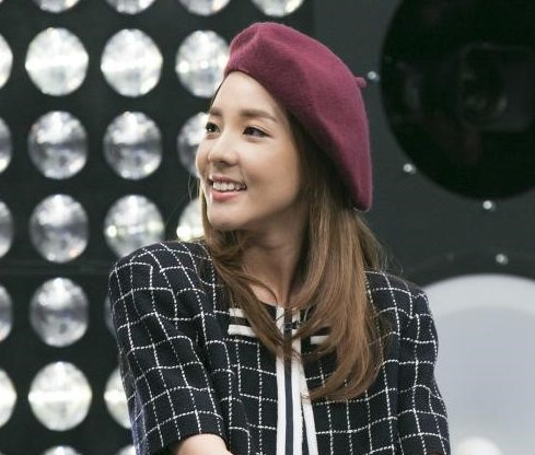 SanDara Park Pinched Her Nose While Recording 2NE1's