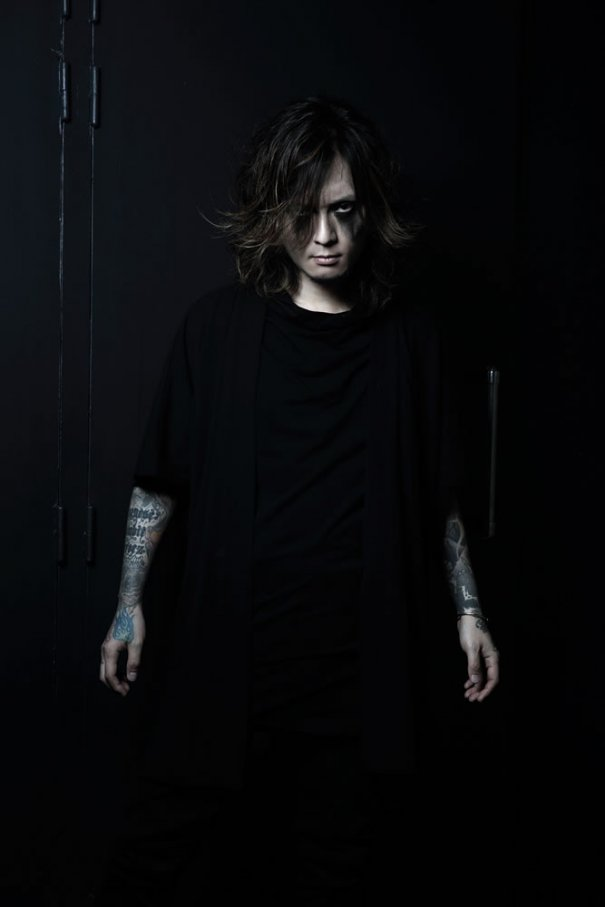 [Jrock] Dir en Grey's Kaoru Suffers From Hand Dysfunction
