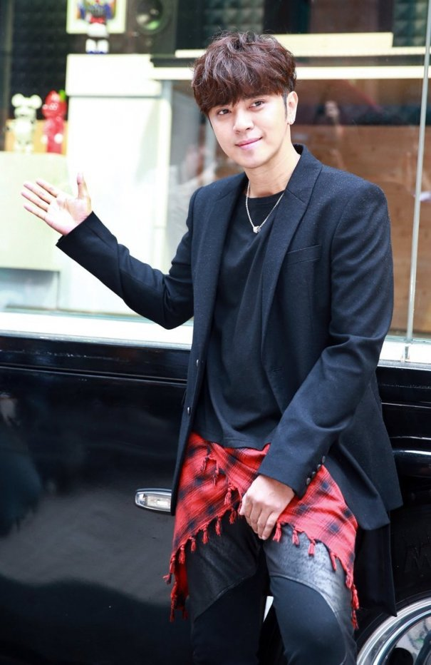 Show Luo Dismisses Accusations Of Plagiarizing G-Dragon