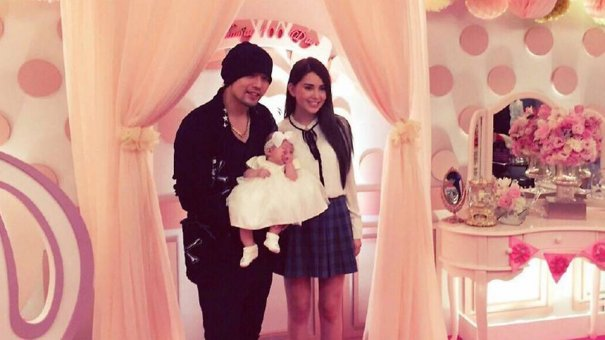 Jay Chou Shares Photo Of Newborn Daughter Online