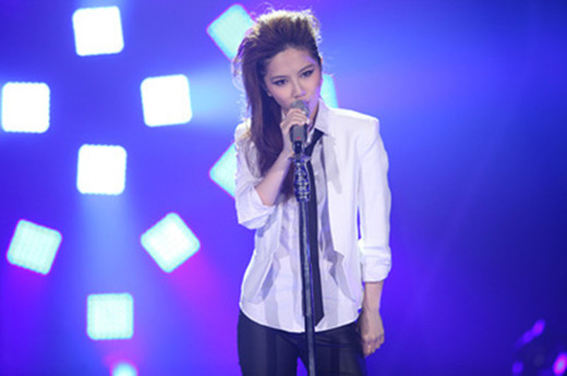 G.E.M Gave Away Tickets To London Concert Due To Low Sales