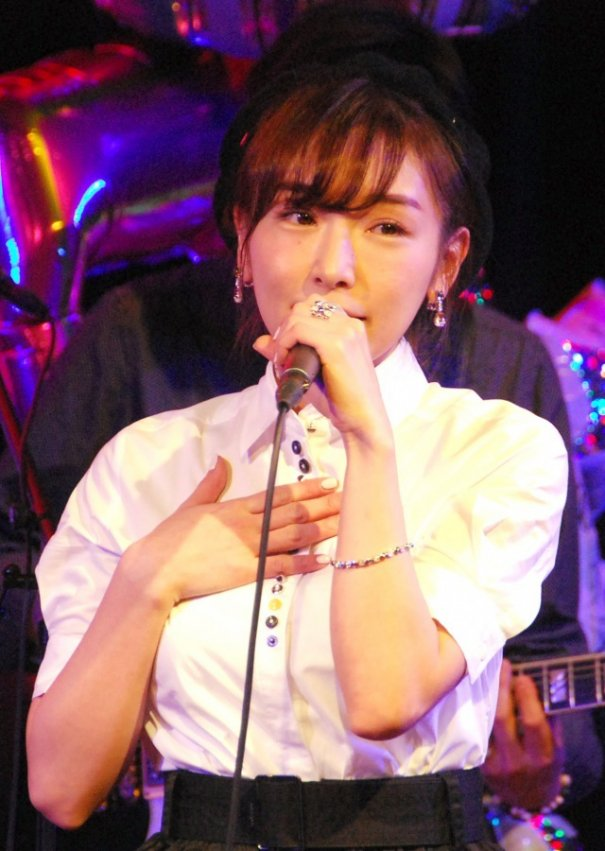 [Jpop] Ai Kago Holds First Solo Live Concert In 6 Years