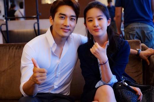 Song Seung-Heon Denies Break Up Rumors with Liu Yi Fei