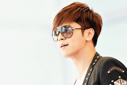 Show Luo Expresses Support to Fashion Blogger Girlfriend