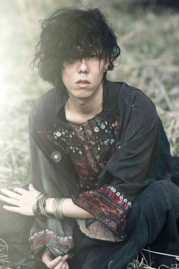 RADWIMPS Vocalist Yojiro Noda Resumes Solo Project illion