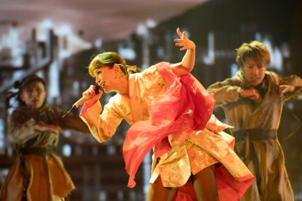 """Ayumi Hamasaki Revealed First Photos from Tour """"Made in Japan"""""""