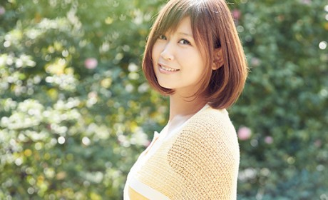 ayaka to Release Best-Of-Album; To Hold a Free Live in Osaka