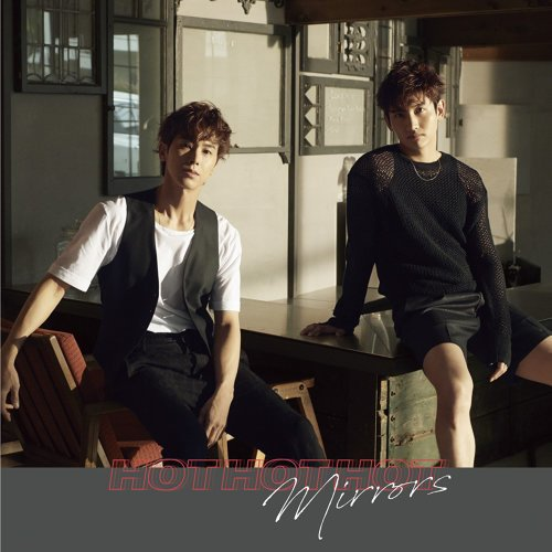 Single Hot Hot Hot by Tohoshinki