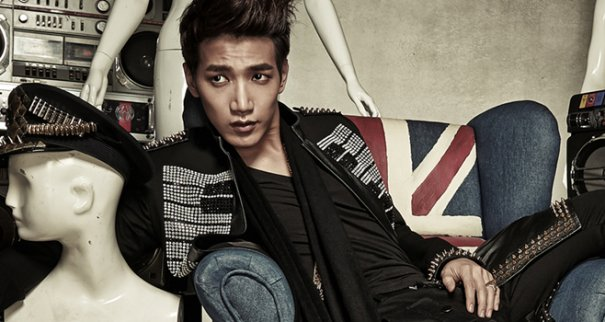2PM's Jun.K Hospitalized With Collarbone Injury