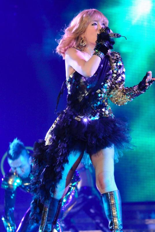 [Jpop] Ayumi Hamasaki To Resume Activities October 31