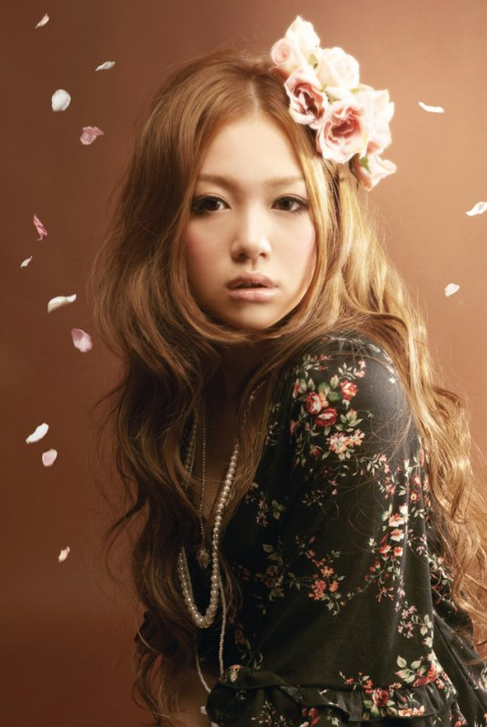 [Jpop] Kana Nishino's Agency Denies Singer In Relationship