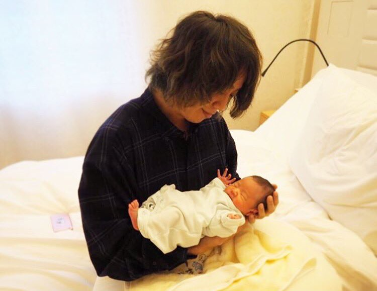 [Jpop] ONE OK ROCK's Tomoya Becomes A Father
