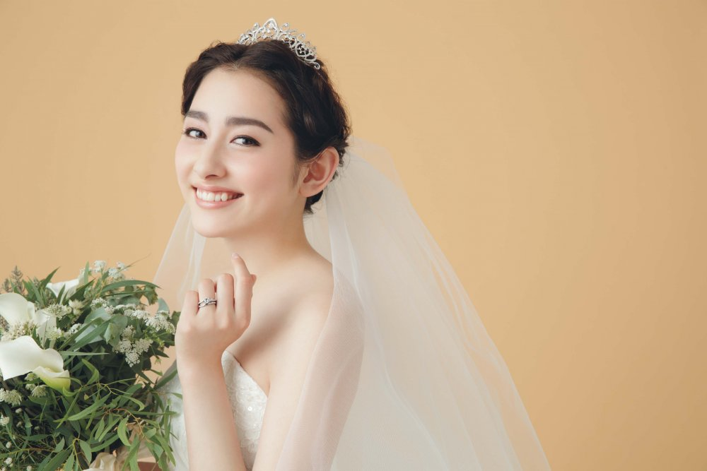 [Jpop] Former Momoiro Clover Member Akari Hayami Announces Marriage
