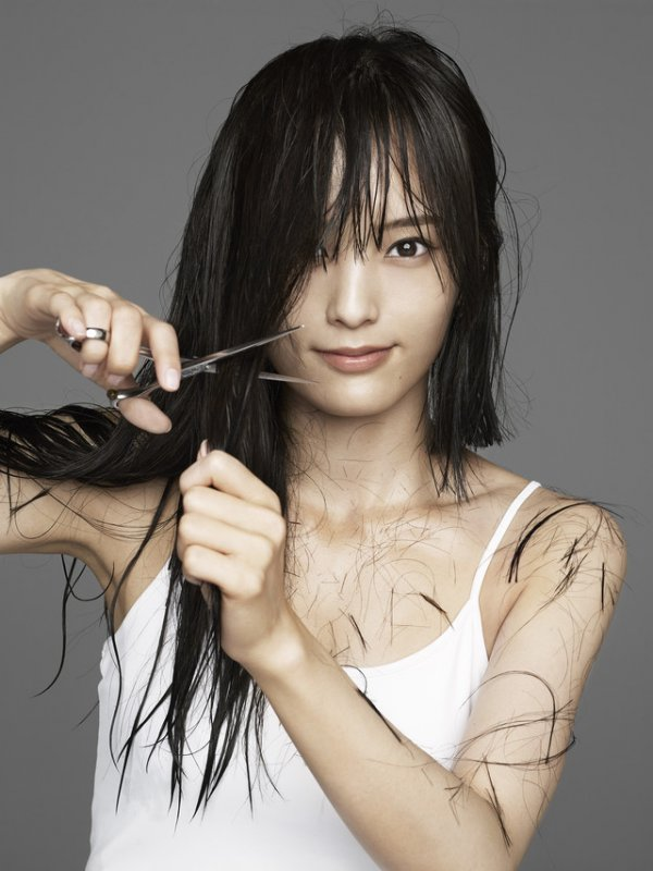 [Jpop] Former NMB48 Member Sayaka Yamamoto Cuts 30 CM Of Hair To Announce Start Of Solo Career